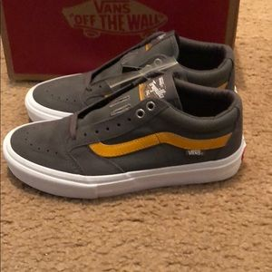 18a41ff423 Vans Shoes - TNT SG Vans